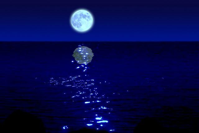 満月の光が、際立たせる「闇の部分」