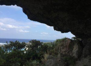 【洞窟】与那国島②天空の巨石、ティンダハナタ